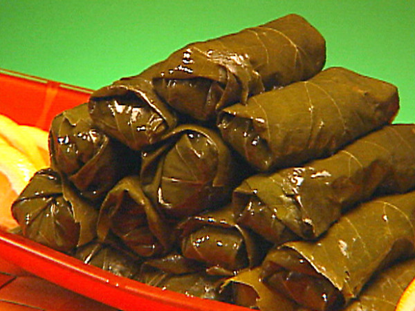 Greek stuffed vine leaves recipe
