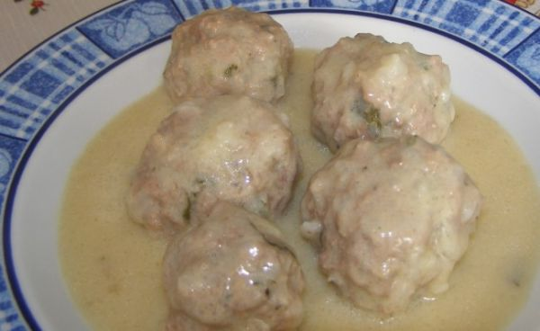 Giouvarlakia – Greek meatballs in egg and lemon soup
