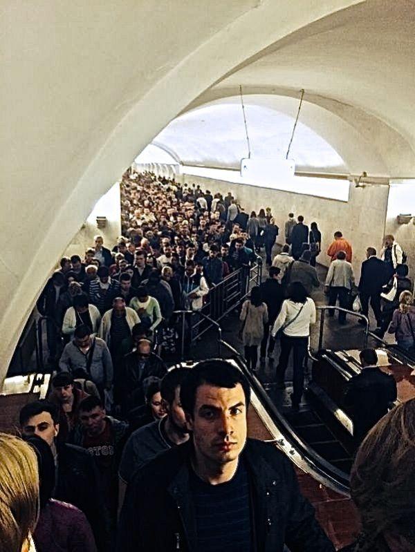Le métro de Moscou en heure de pointe