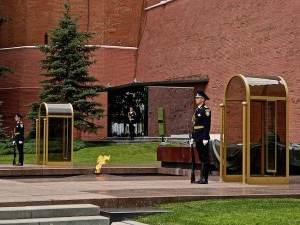 La tombe du soldat inconnu au Kremlin de Moscou