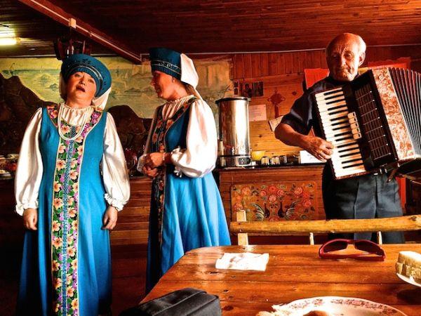 Live Russian folk music in Lake Baikal