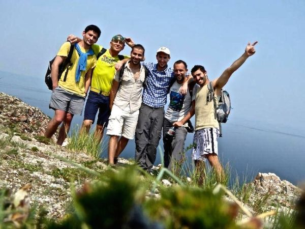 Petite photo de groupe au Cape Khoboi sur l'île d'Olkhon