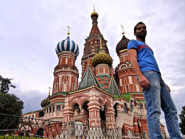 Sebastien posing by Moscow's St Basil's Cathedral