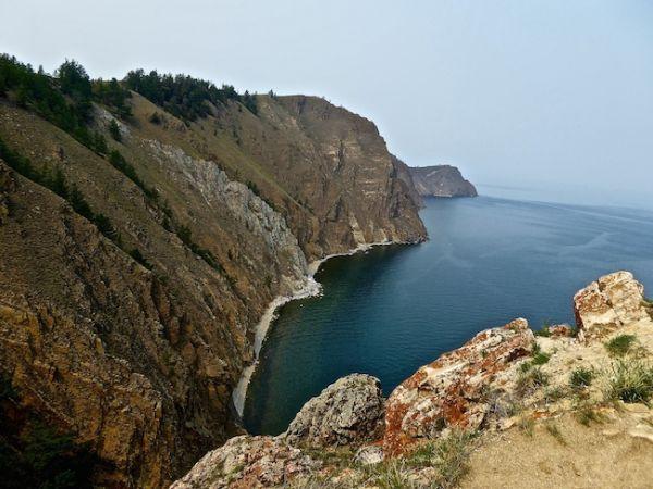 Cape Kholboi sur l'île d'Olkhon, lac Baïkal