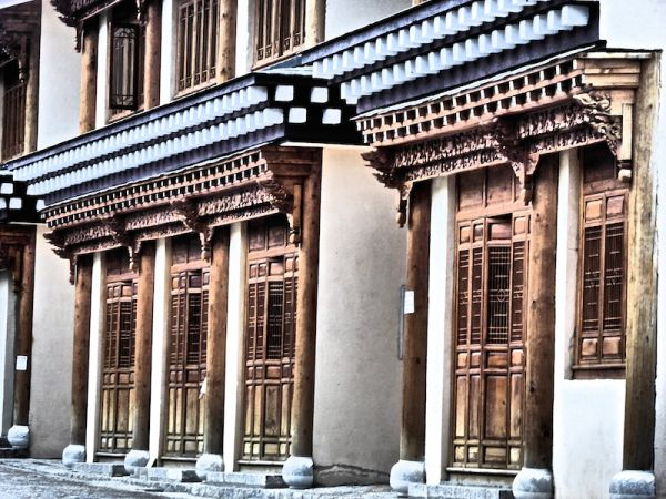Wooden houses in Shangri-La's old town which survived the great fire