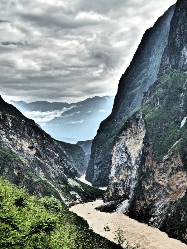 Beautiful views of the mountains on day 2 of the Tiger Leaping Gorge trek