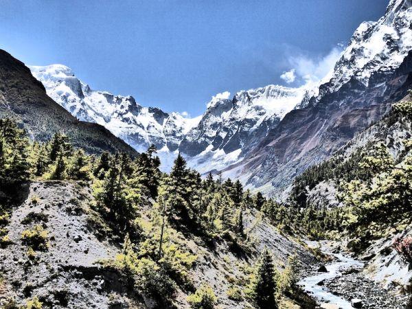 Vue sur le Mont annapurna quatre