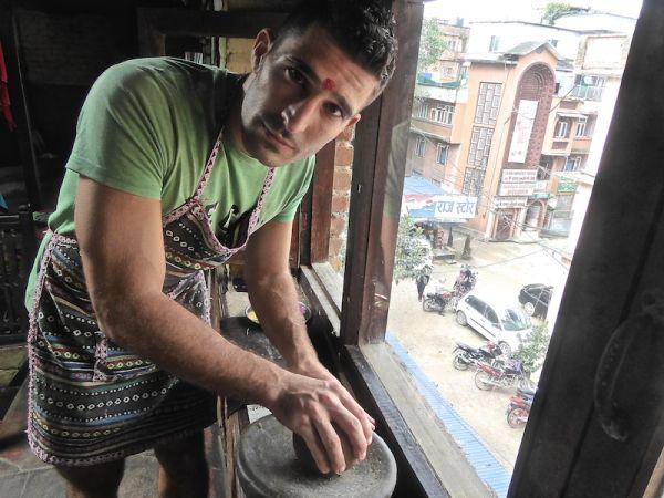 Stefan showing the grinder