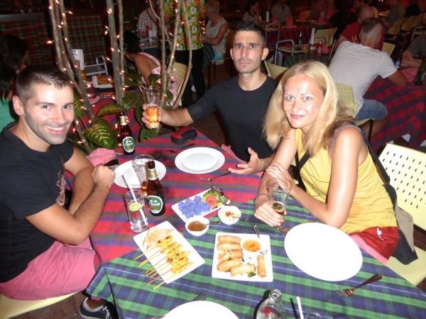 gay travel bloggers nomadic boys dani Globetrotter Girls