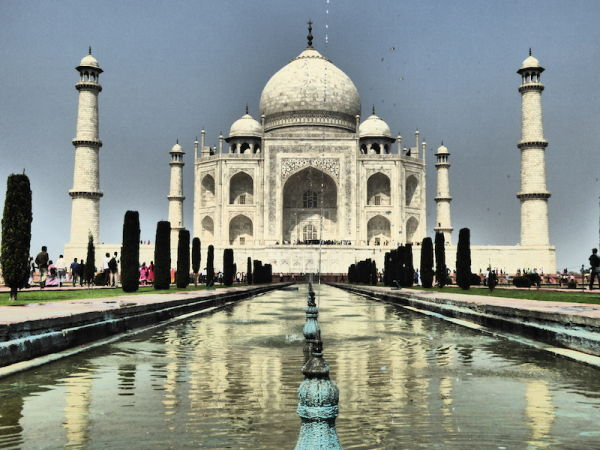 Nothing says 'I love you' quite like the Taj Mahal