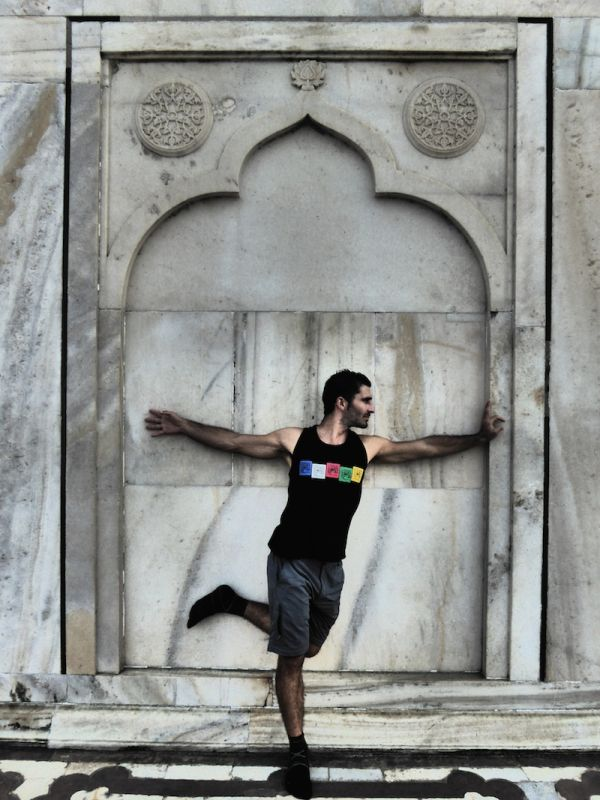 Stefan posing at the Taj Mahal