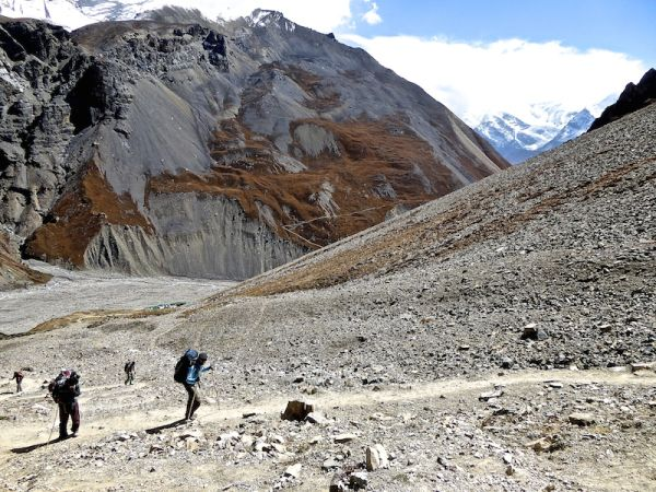 Trekking from 4,500m to 4,800m