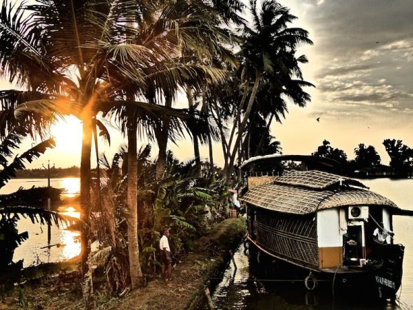 How to pick a house boat in Kerala