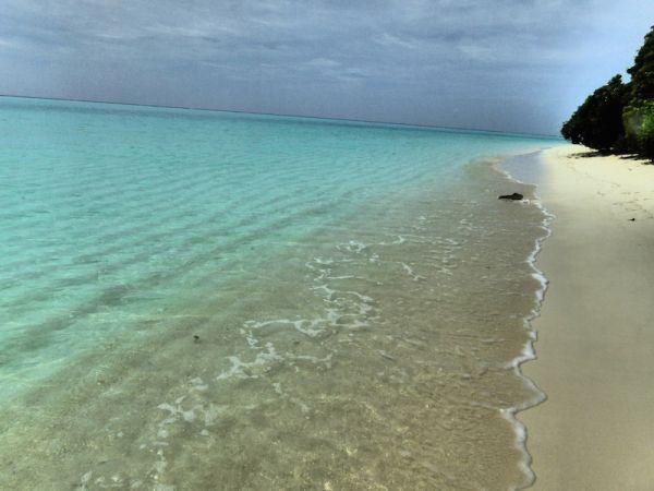 The bikini beach on Thoddoo island