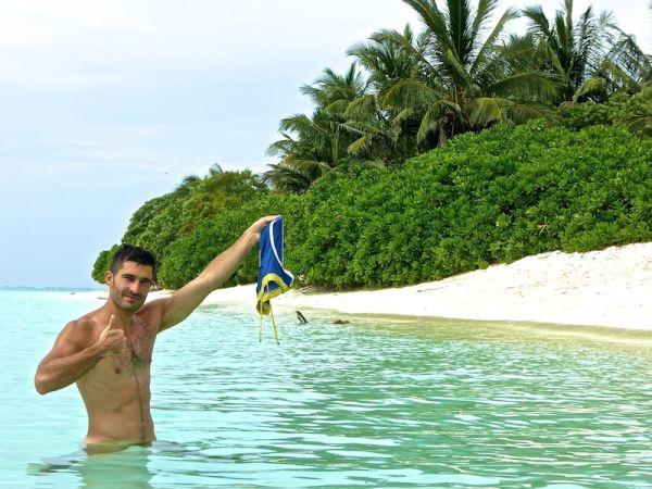 Stefan at the bikini beach of Thoddoo island