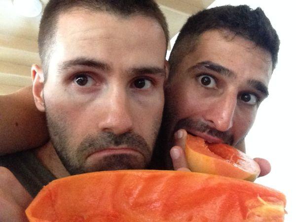 Nomadic Boys papaya selfie