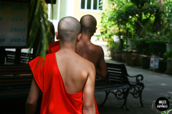 6 things to do in Chiang Mai: chatting with a monk