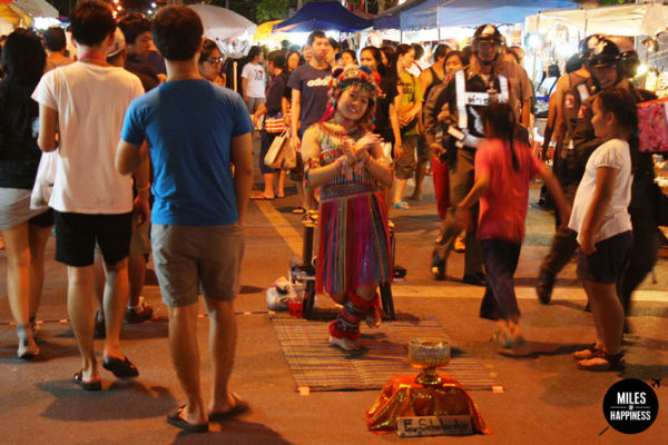 6 things to do in Chiang Mai: shopping at a Sunday market
