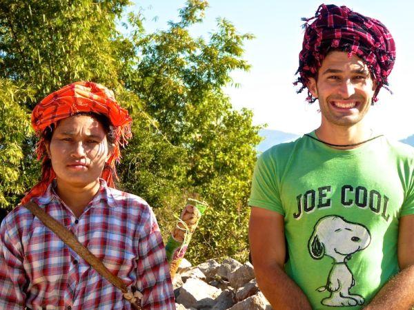 Stef with village ladies Stef with kaunbaom turban2