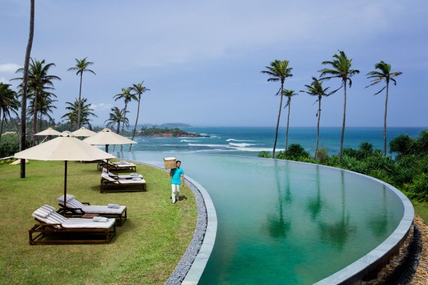 The infinity pool at Cape Weligama near Mirissa