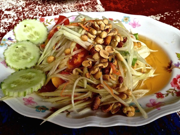 Som Tam (Thai papaya salad) recipe