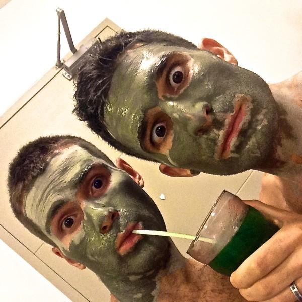 Fun Dee and Fun Den's face mask