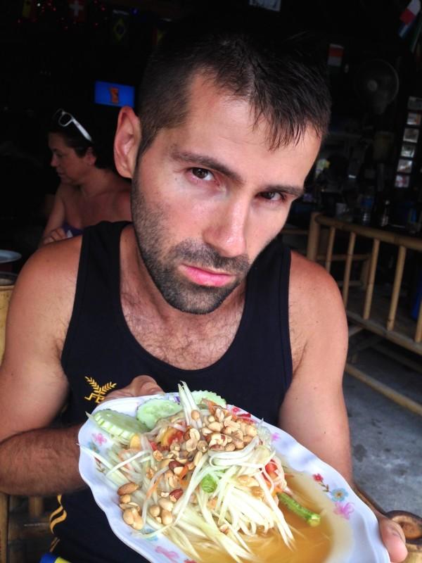best streetfood in Thailand Sebastien with a tasty Som Tam