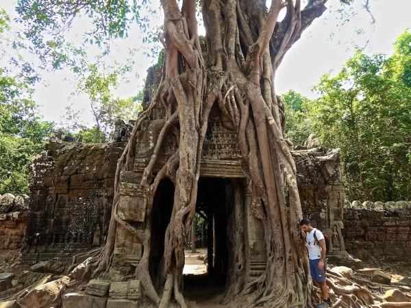 The beautiful Ta Som temple Eastern gate