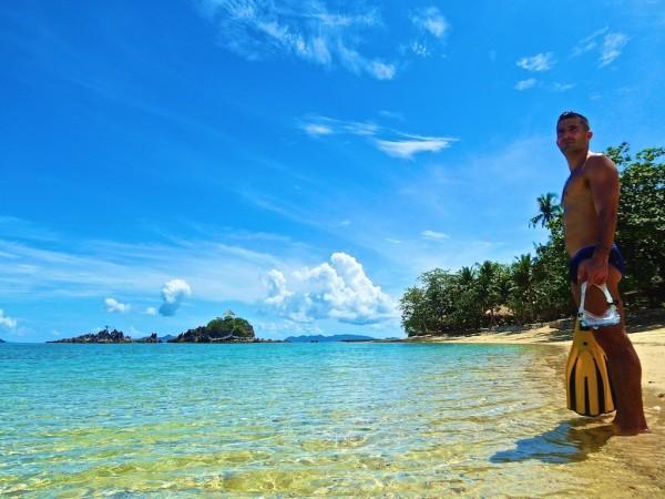 Stefan preparing to go snorkelling
