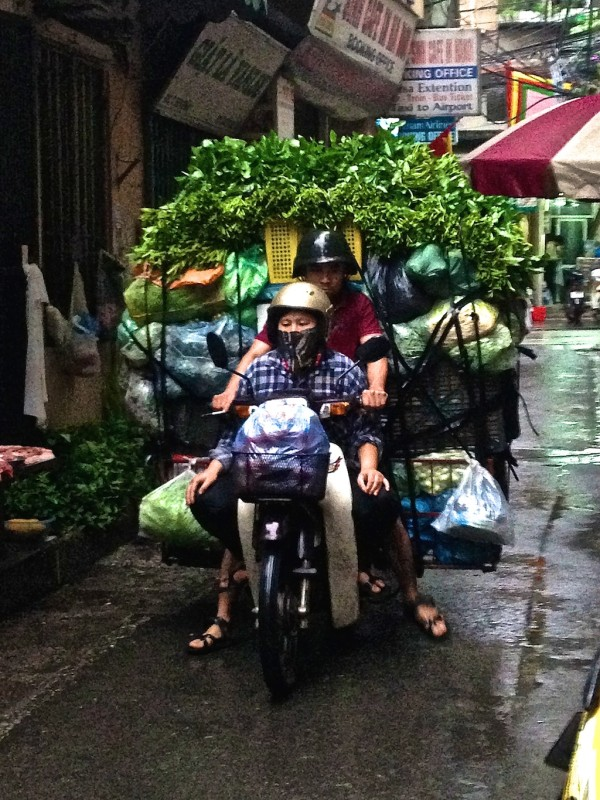 interesting facts about Vietnam - motorbikes everywhere