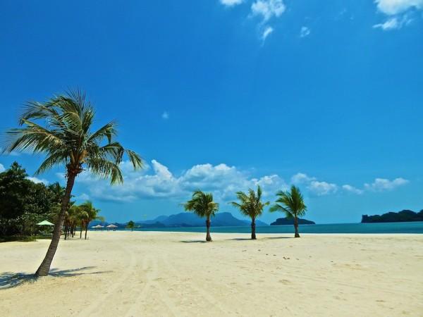 Four Seasons Langkawi beach