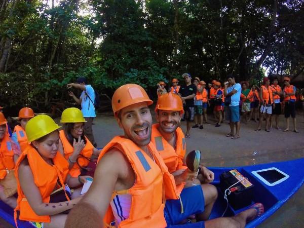 Philippines interesting facts: selfies selfies selfies!