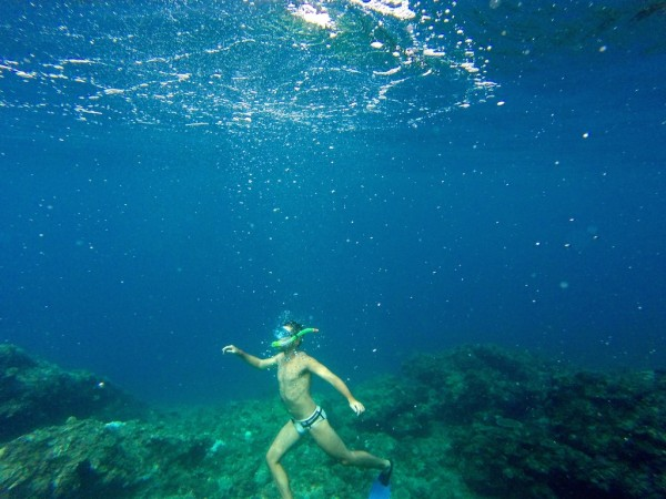 Snorkelling around El Nido by Matinloc Island