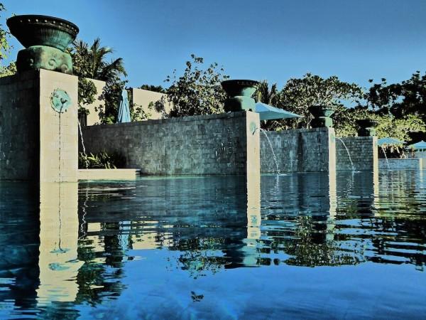 Swimming pool cabanas