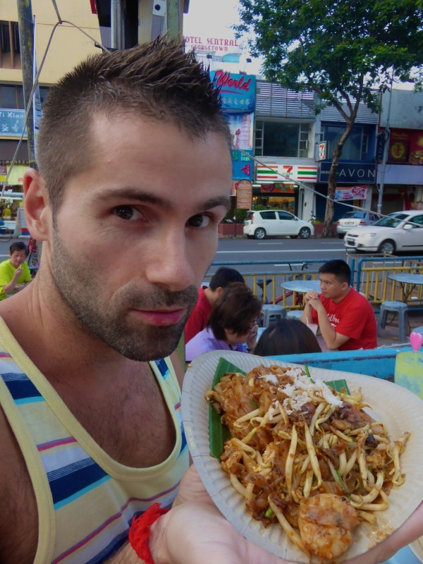Sebastien trying char kaoy Yeow noodles