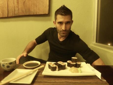 Stefan com sushi no Unkaizan
