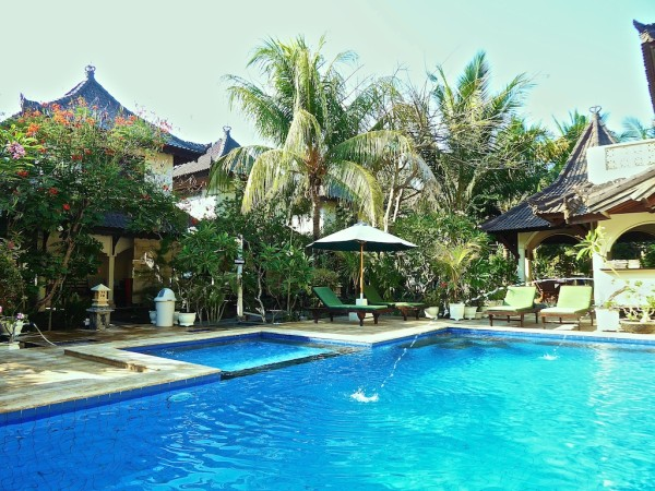 Martas Hotel pool and garden on Gili Trawangan in Indonesia