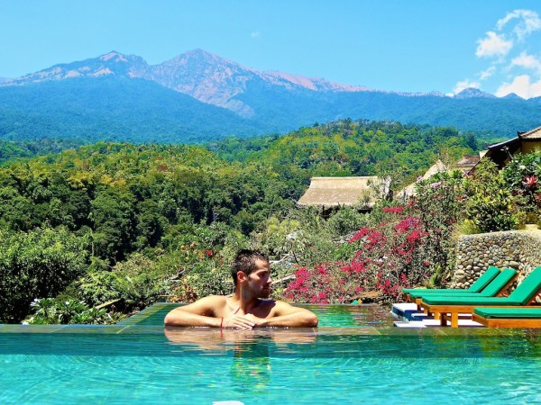 Rinjani Lodge infinity pool view of Senaru in Lombok, Indonesia