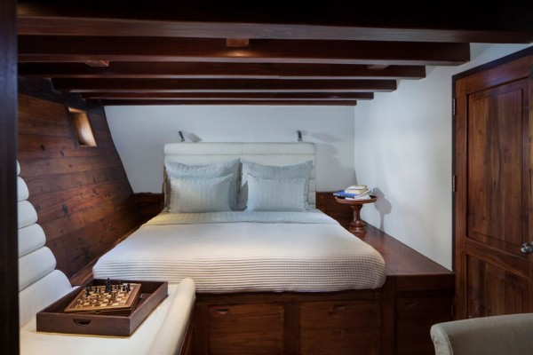 Deluxe Suite on the luxury Samata liveaboard in Komodo National Park