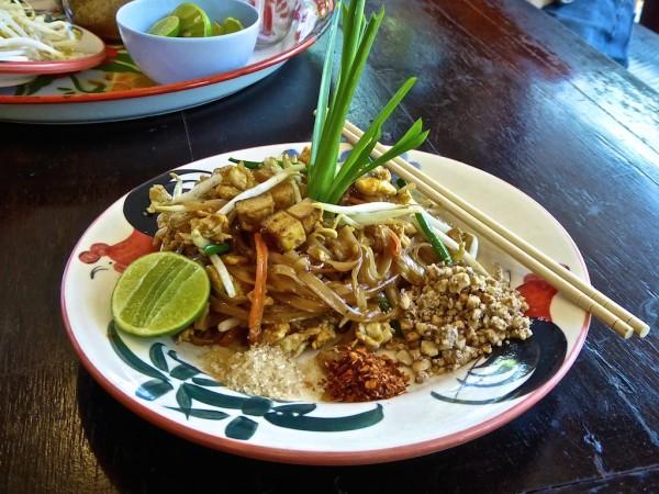 Vegetarian pad Thai recipe cooking class Chiang Mai