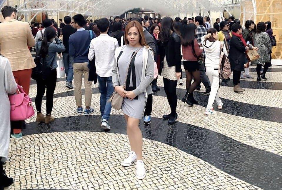 Transgender female Regina posing at the Mall