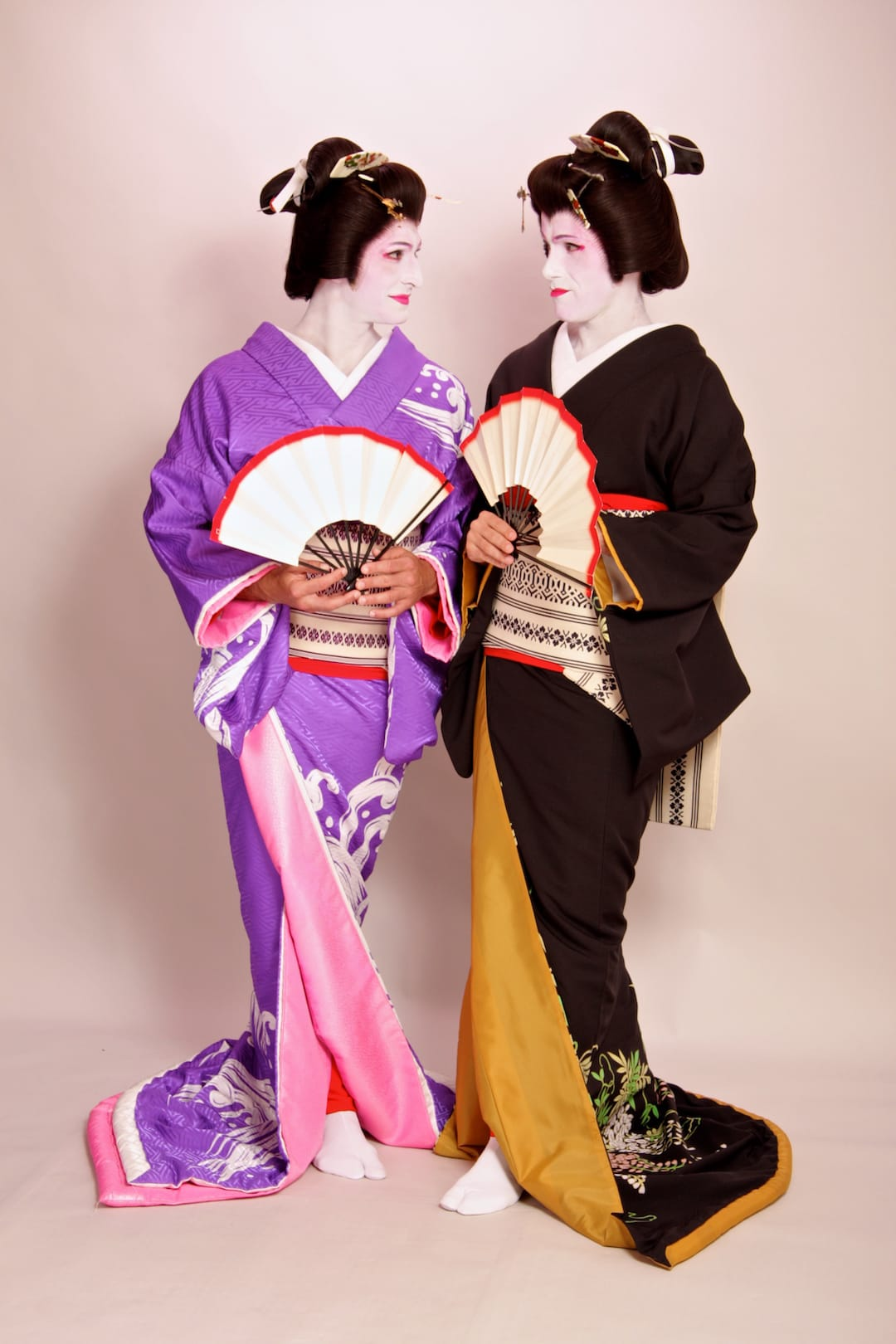 Geisha makeover in Tokyo first foreign white male geisha