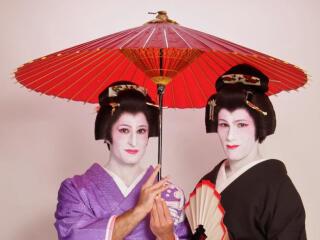 Geisha makeover in Tokyo for men