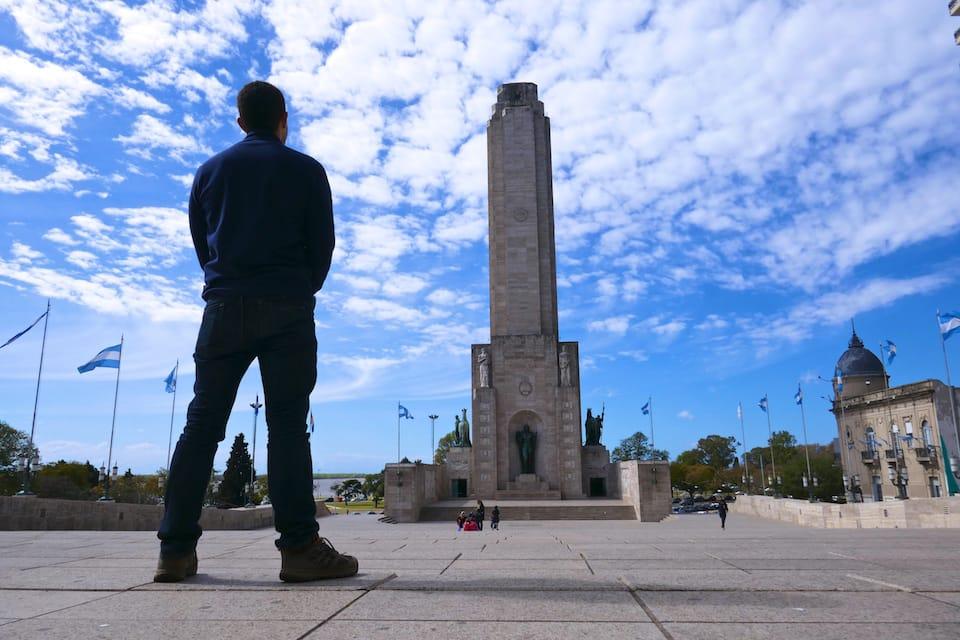 Gay Rosario guide Bandera Monument