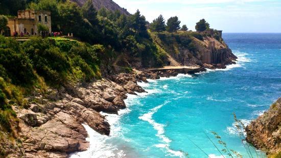 Amalfi coast beaches romantic things to do in Italy