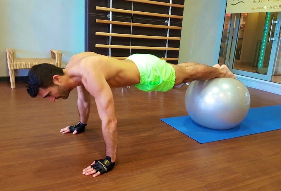 how to keep fit while traveling bodyweight exercises