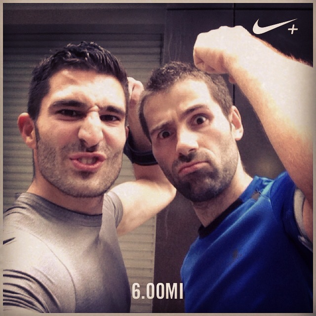 how to keep fit while travelling running selfie