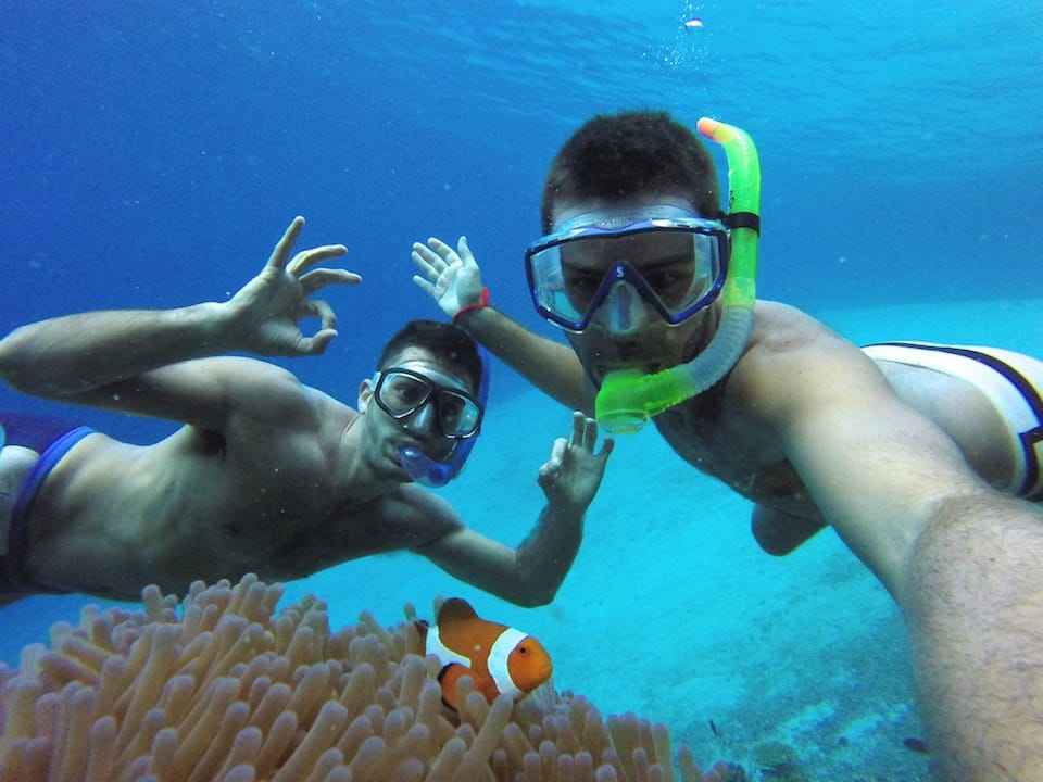 how to keep fit while travelling snorkelling