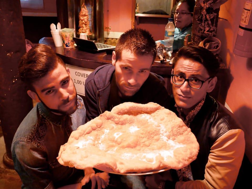 giant empanada de viento ecuador famous foods