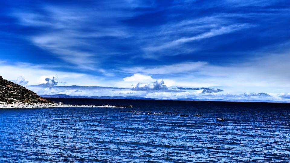Peace and tranquility it is worth going to lake titicaca